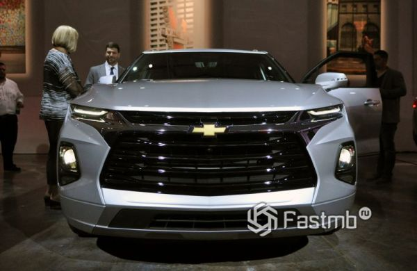 Злой взгляд кроссовера Chevrolet Blazer 2019