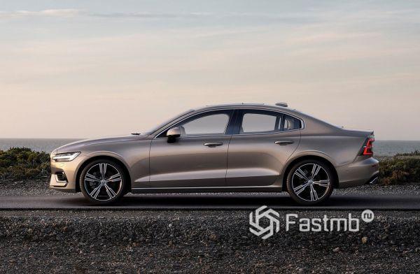 Volvo S60 2019, вид сбоку