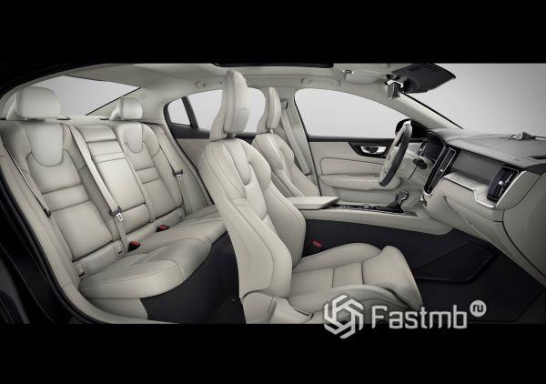 Интерьер Volvo S60 2019, первый и второй ряд сидений