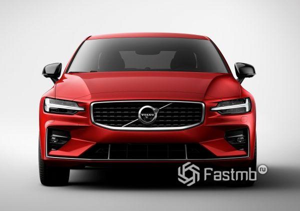 Volvo S60 2019, вид спереди