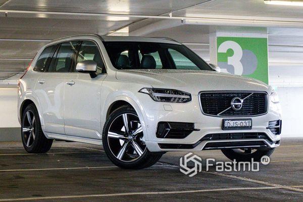 Volvo XC90 Excellence, вид спереди