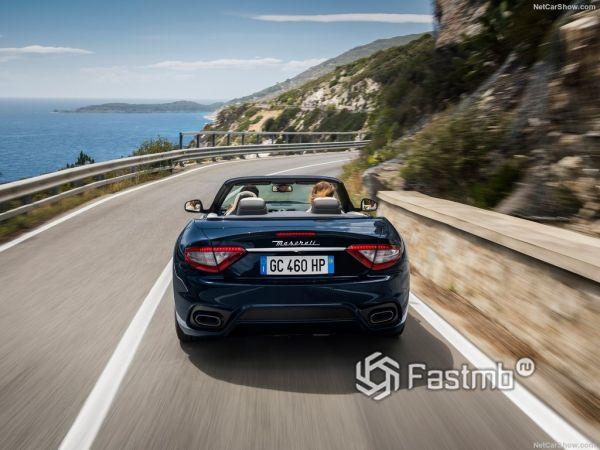 Maserati GranCabrio 2018, вид сзади