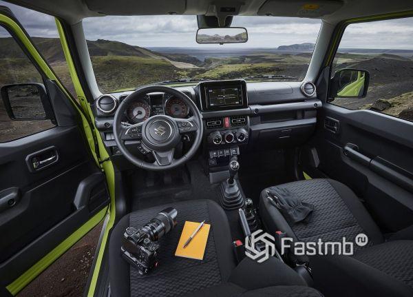 Интерьер нового Suzuki Jimny 2019