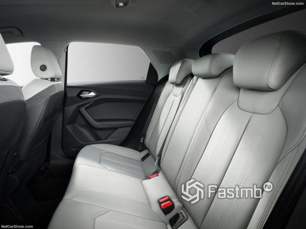 Audi A1 Sportback 2019, задние сидения