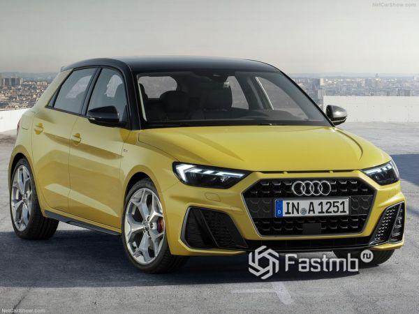 Audi A1 Sportback 2019, вид спереди и сбоку справа
