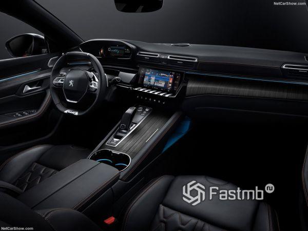 Peugeot 508 2019, руль и панель управления