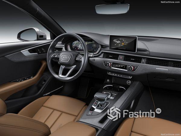 Audi A4 Avant 2019, руль и панель управления