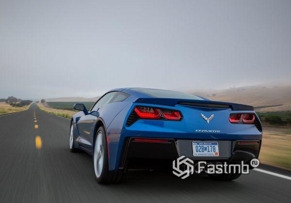 Chevrolet Corvette Stingray C7 2018, вид сзади