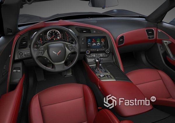 Бордовый интерьер Corvette Stingray C7