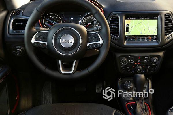 Интерьер нового Jeep Compass 2019