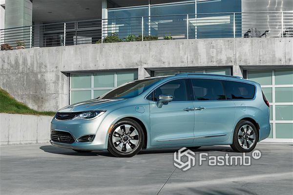 Гибридный Chrysler Pacifica Hybrid 2018