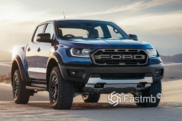 Передний бампер пикапа Ford Ranger Raptor 2019