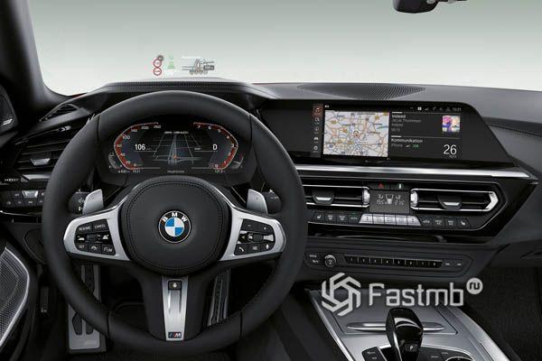 Интерьер BMW Z4 M40i 2019
