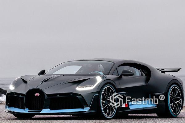 Стильный спорткар Bugatti Divo 2018-2020
