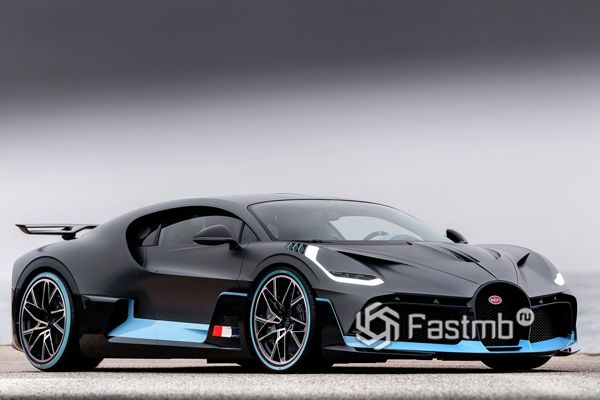 Bugatti Divo 2018, вид сбоку