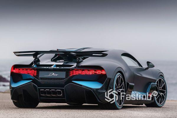 Bugatti Divo 2019, вид сзади