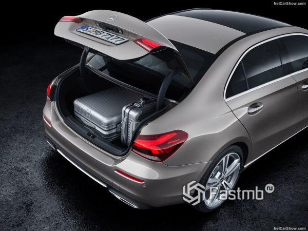 Mercedes-Benz A-Class Sedan 2019, багажник