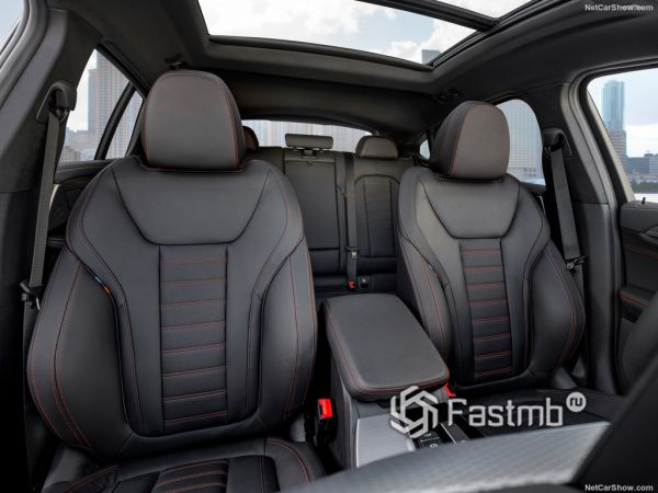 BMW X4 M40d 2019, передние сидения