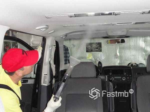 Рекомендации по качественной очистке обшивки потолка авто