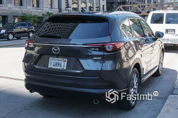 Mazda CX-8 2019, вид сзади