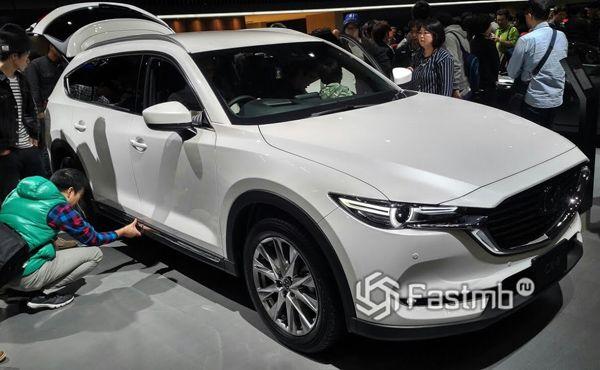 Сплошная крыша нового Mazda CX-8 2019