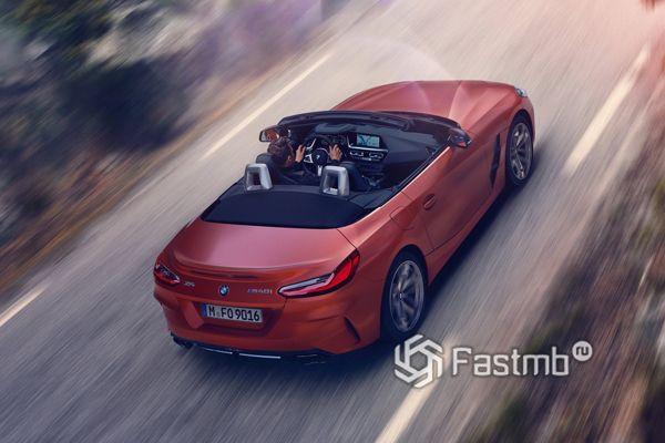 Сложенная крыша родстера BMW Z4 M40i