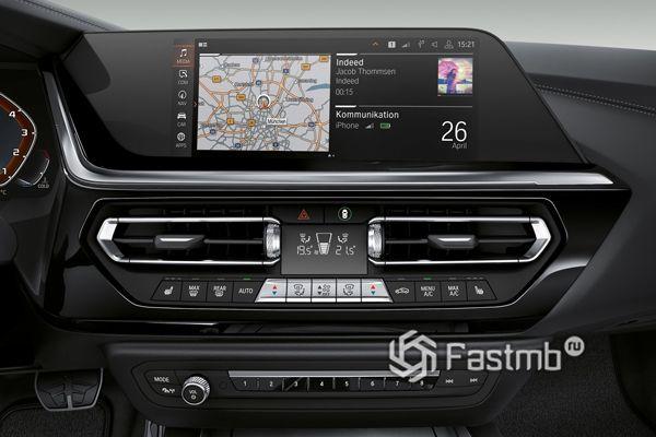 Центральная консоль родстера BMW Z4 2019