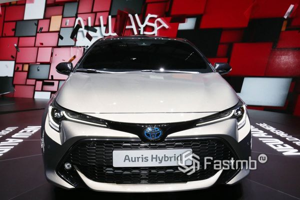 Прототип Toyota Auris Hybrid 2018