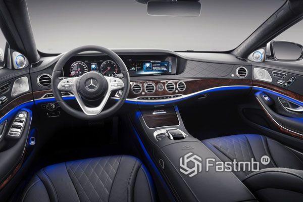 Водительское место Mercedes-Maybach S-Class 2018