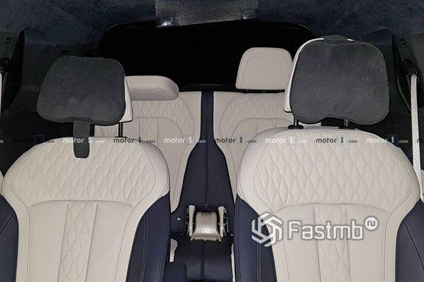 Второй и третий ряд сидений BMW X7 2019