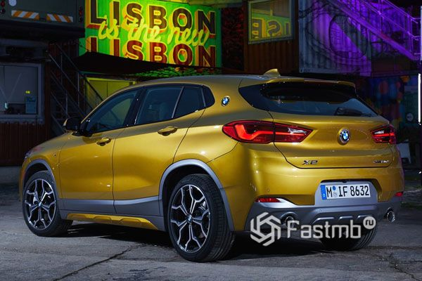 BMW X2 2019, вид сзади