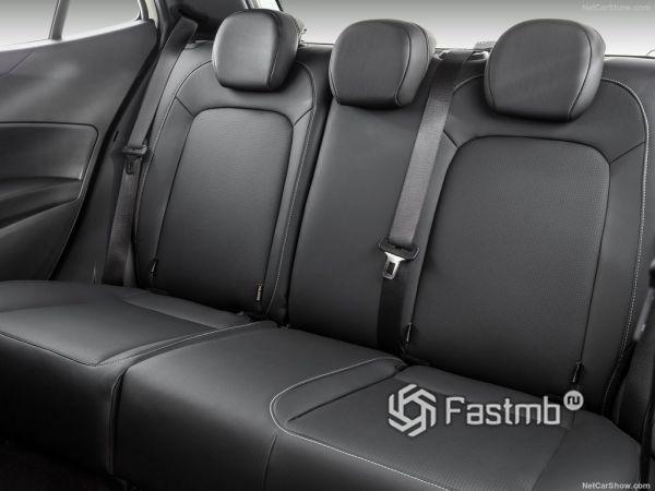Fiat Argo 2019, задние кресла
