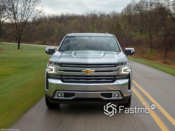 Chevrolet Silverado 2019, вид спереди