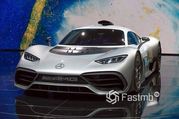 Серийная модель Mercedes-AMG One