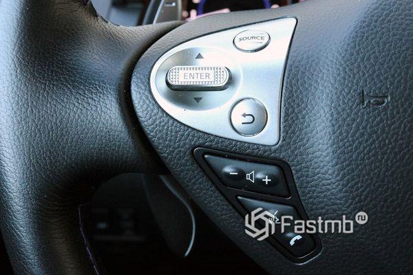 Функциональные кнопки рулевого колеса