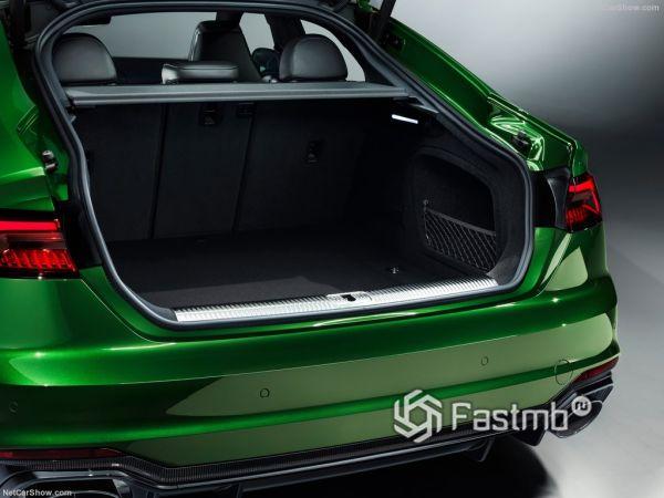 Ауди RS5 Спортбек 2019 года, багажник
