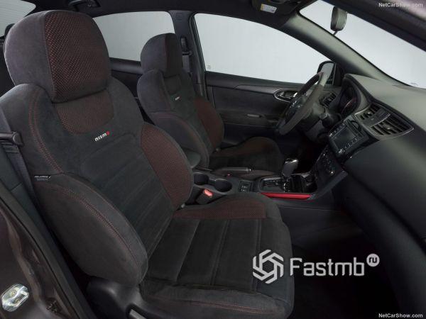 Nissan Sentra Nismo 2017-2018, передние сидения