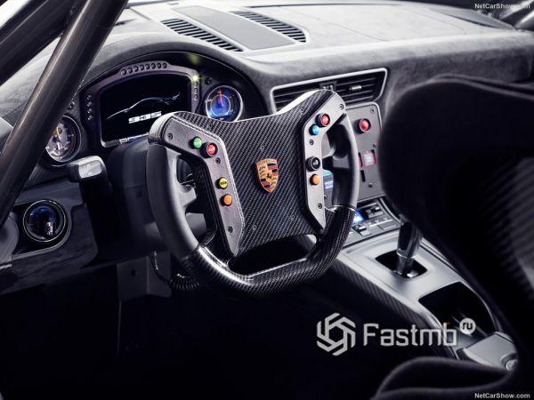 Внутреннее оформление Porsche 935