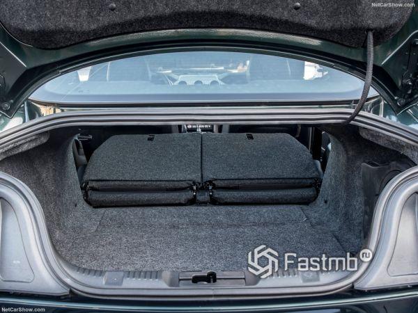 Форд Мустанг Буллит 2019 года, багажник