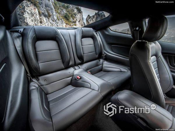 Ford Mustang Bullitt 2019, задние сидения