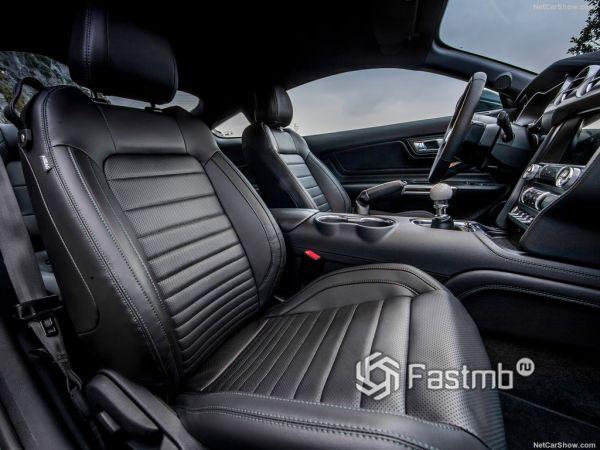 Форд Мустанг Буллит 2019 года, передние сидения