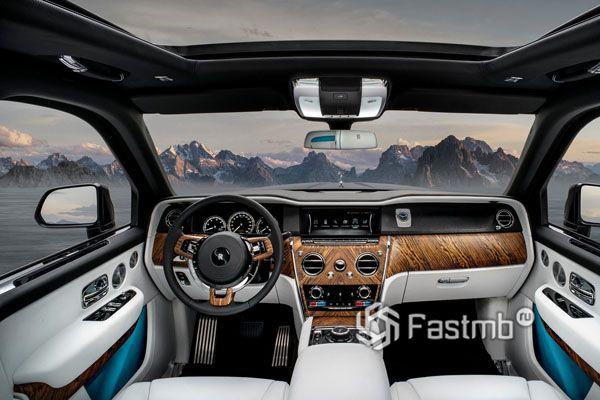 Интерьер Rolls-Royce Cullinan 2019