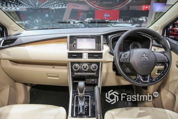 Салон Mitsubishi Xpander