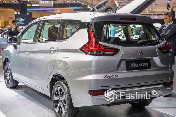 Mitsubishi Xpander 2019, вид сзади