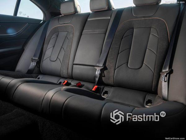 Mercedes-Benz CLS53 AMG 2019, второй ряд сидений