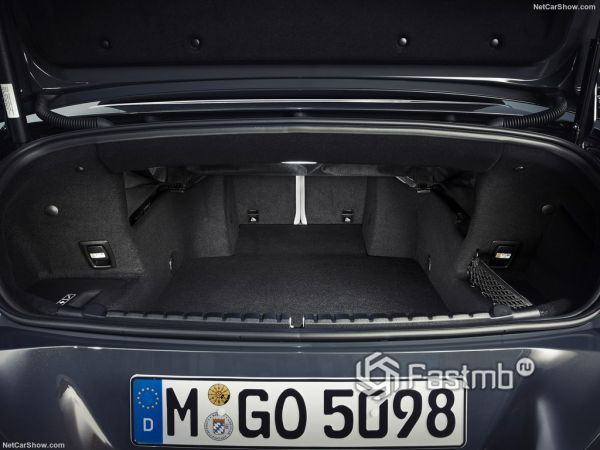 кабриолет БМВ 8 серии 2019 года, багажник