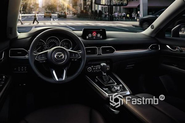 Леворукий Mazda CX-8 2018