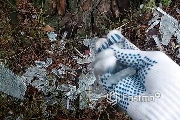 Разбитое каленое стекло