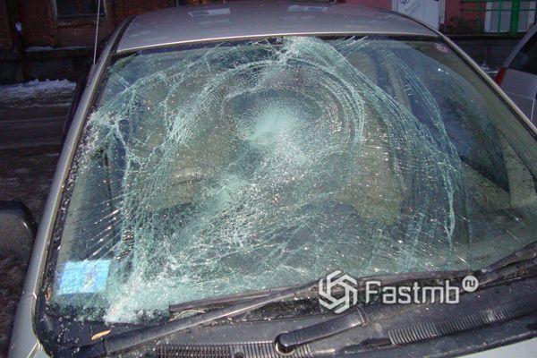 Разбитое стекло триплекс