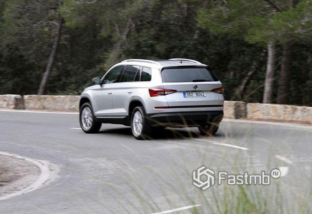 Стабилизация автомобиля на повороте